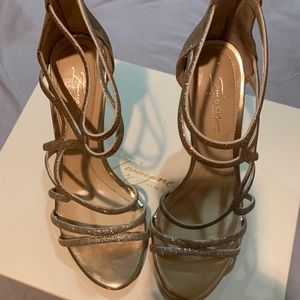 Vince Camuto IM-RAINEE Champagne Size 7